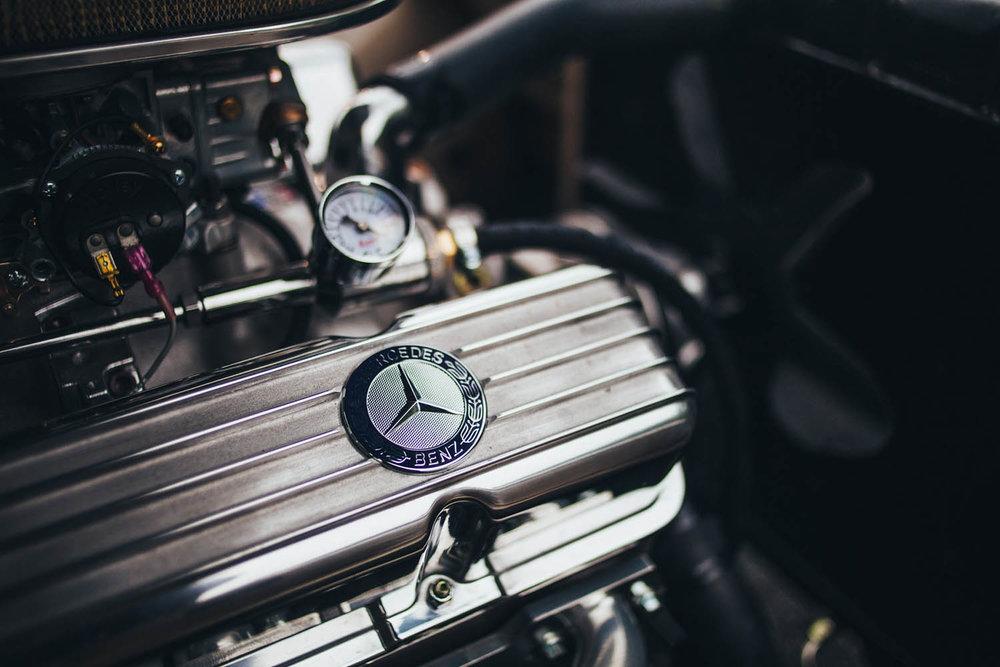 matthew-jones-automotive-photography-mereceds-benz-280d-engine-detail-1726337.jpg
