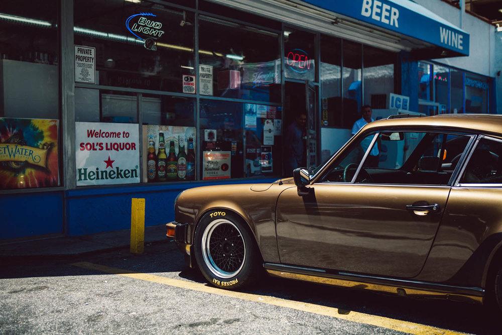 matthew-jones-automotive-photography-porsche-911-parked-in-downtown-atlanta-georgia-1726502.jpg