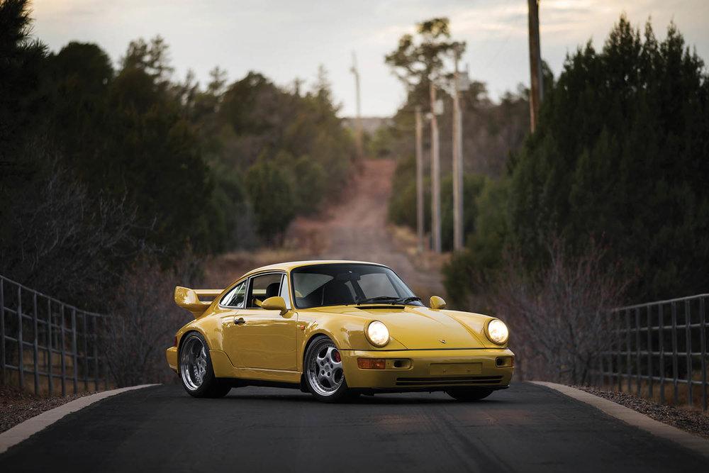 1993-Porsche-911-Carrera-RS-3-8_0.jpg