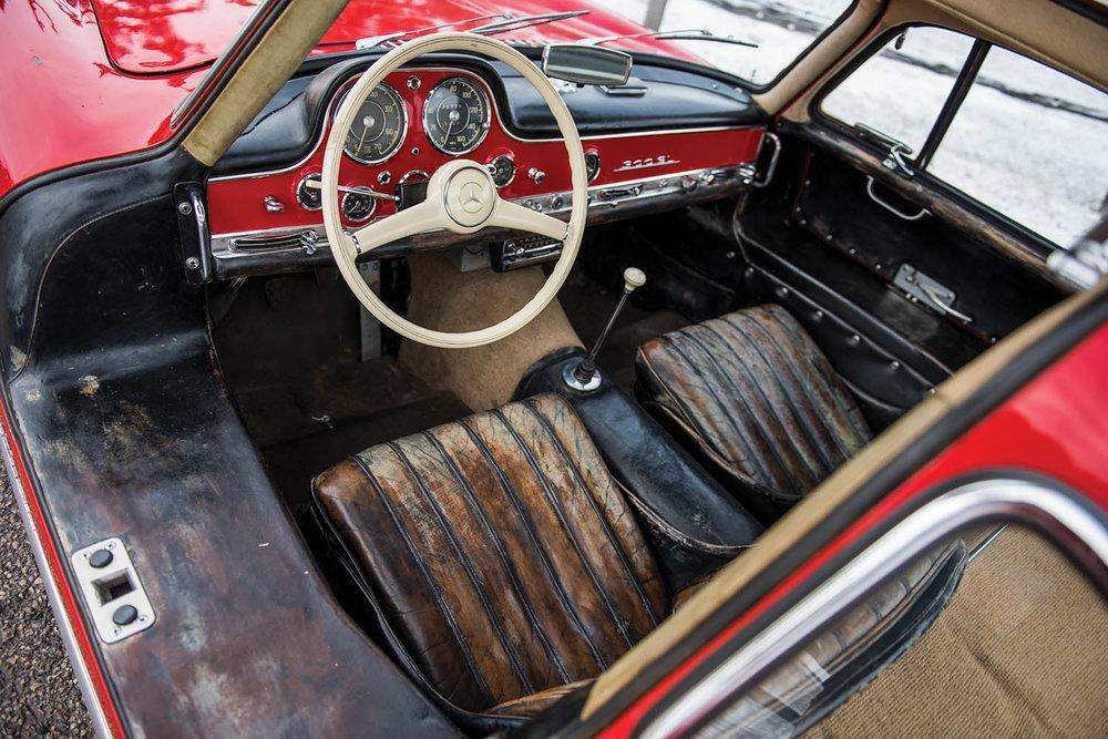 1957-Mercedes-Benz-300-SL-Gullwing_3.jpg