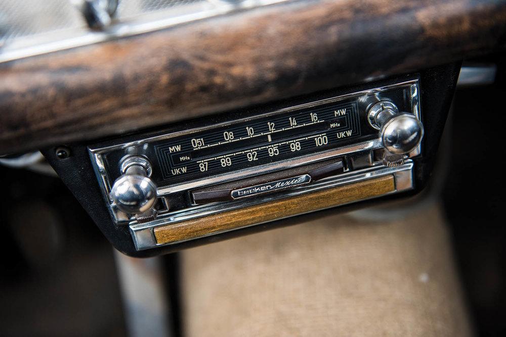 1957-Mercedes-Benz-300-SL-Gullwing_42.jpg