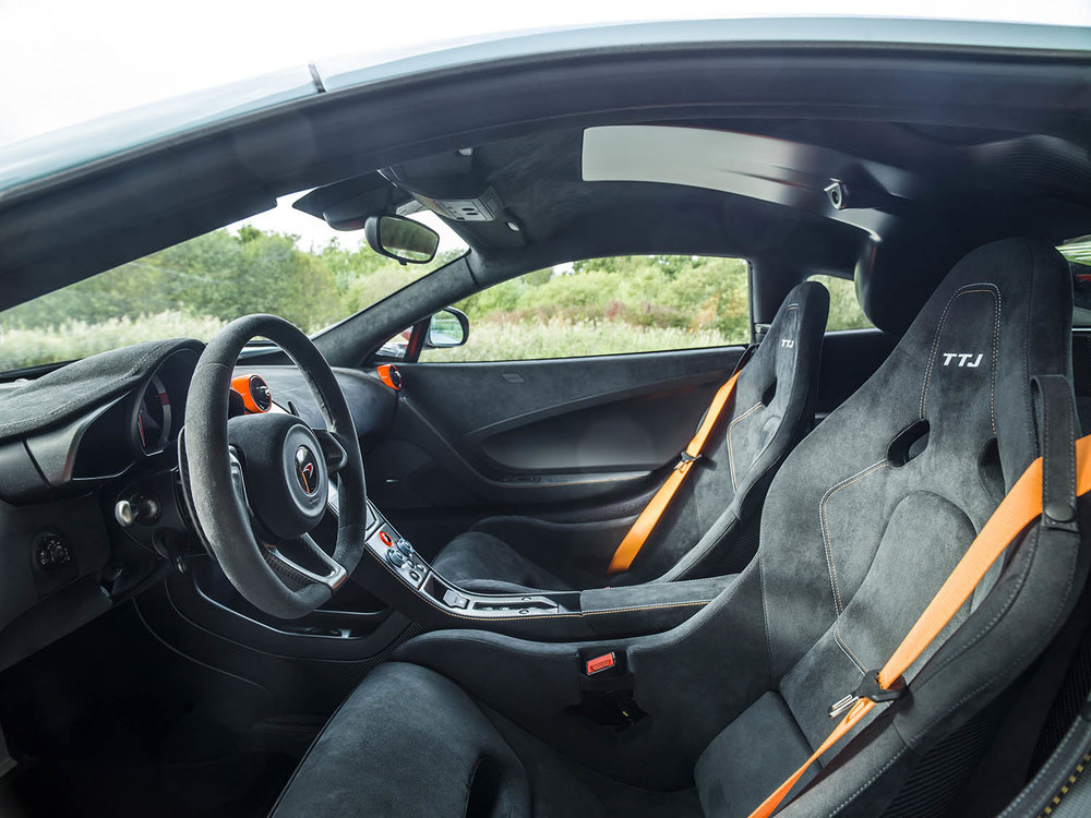 MSO Gulf Racing  theme McLaren 675LT_03_interior - resized_GF Williams.jpg