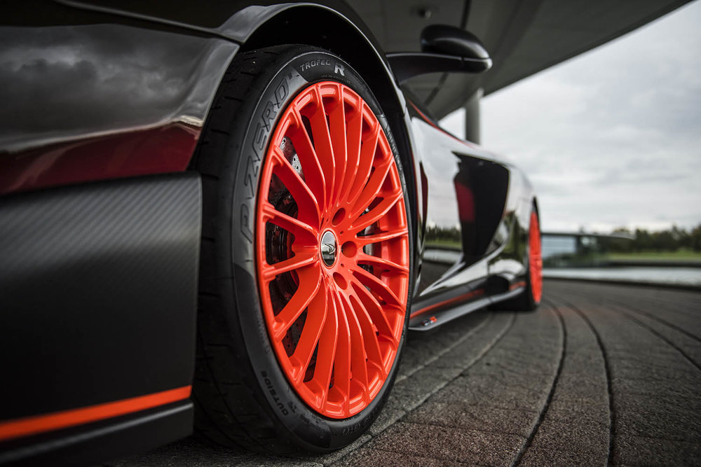 MSO Gulf Racing theme McLaren 675LT_07_orange wheel - resized_GF Williams.jpg