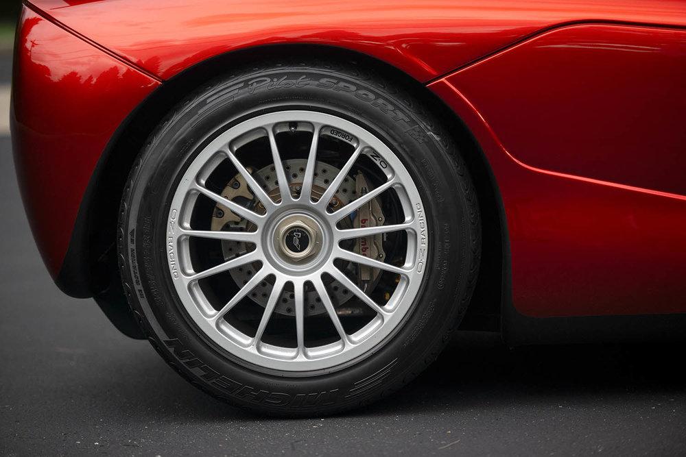 1998-McLaren-F1--LM-Specification-_40.jpg