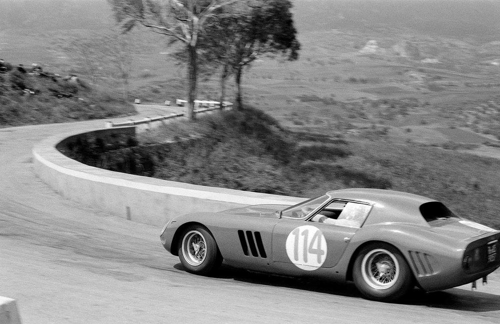1962-Ferrari-250-GTO-by-Scaglietti_44.jpg