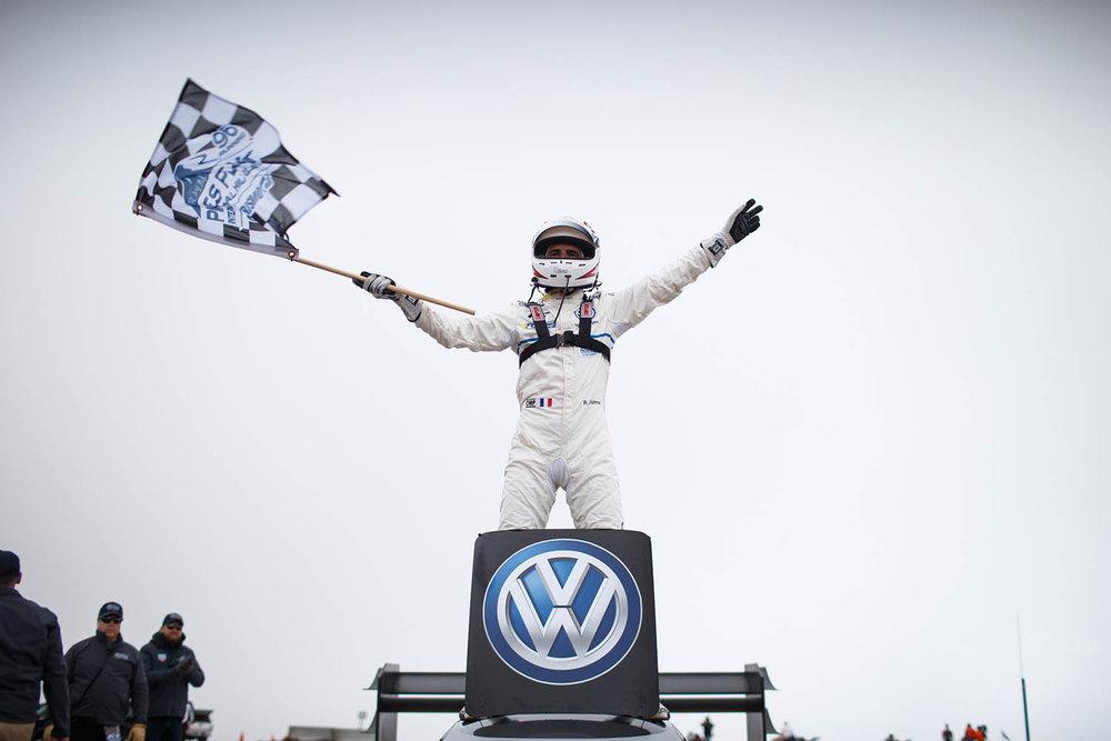Romain_Dumas_F_Volkswagen_I.D._R_Pikes_Peak-Large-8485.jpg