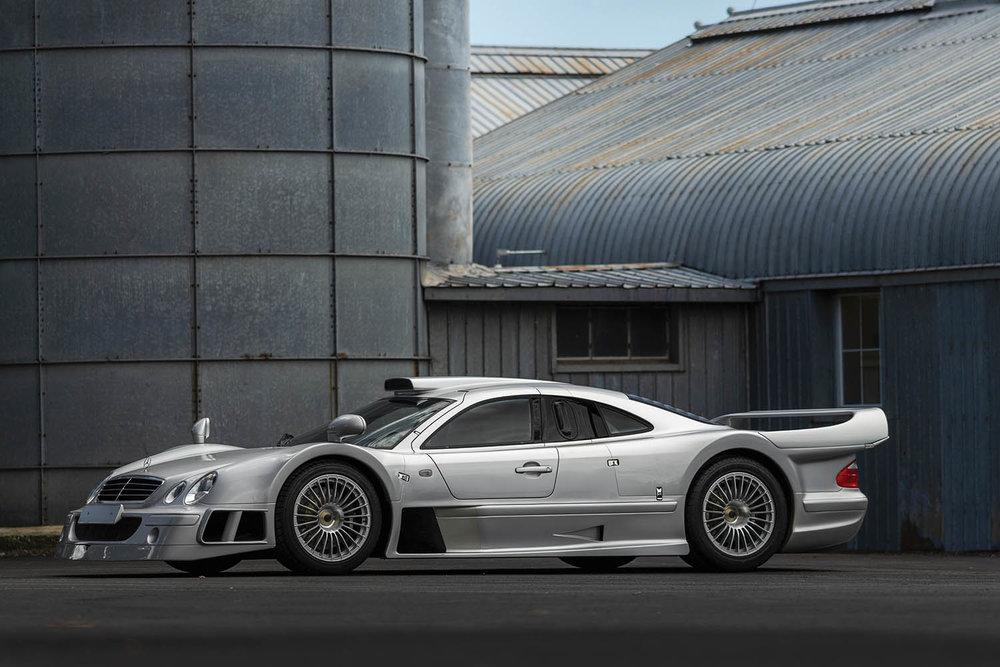 1998-Mercedes-Benz-AMG-CLK-GTR_0.jpg