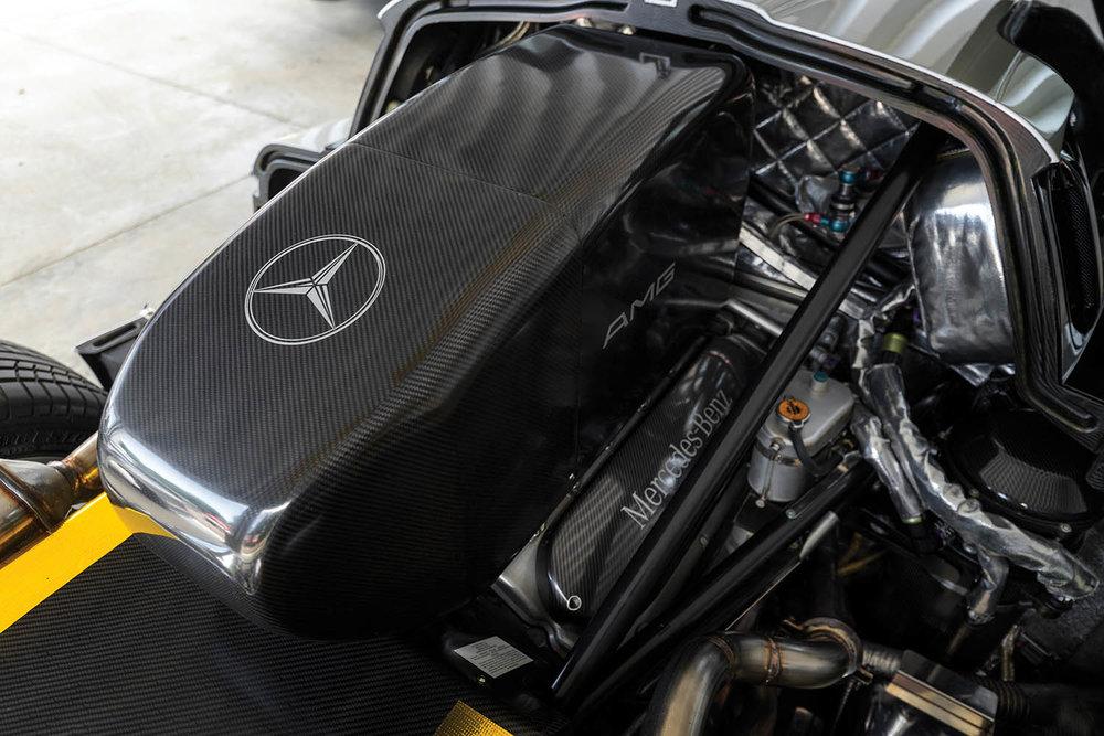 1998-Mercedes-Benz-AMG-CLK-GTR_2.jpg