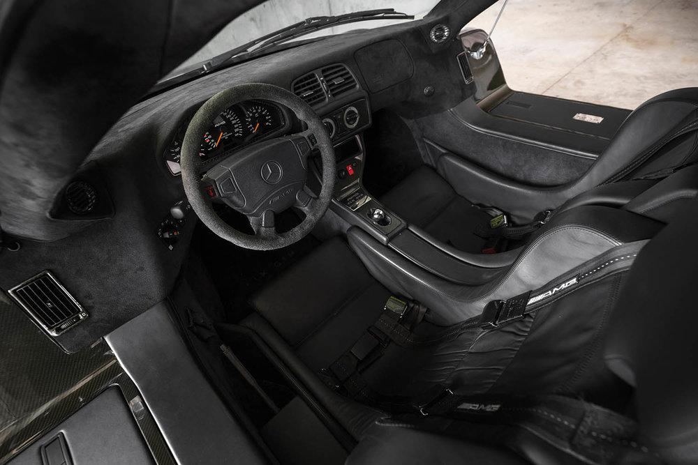 1998-Mercedes-Benz-AMG-CLK-GTR_3.jpg