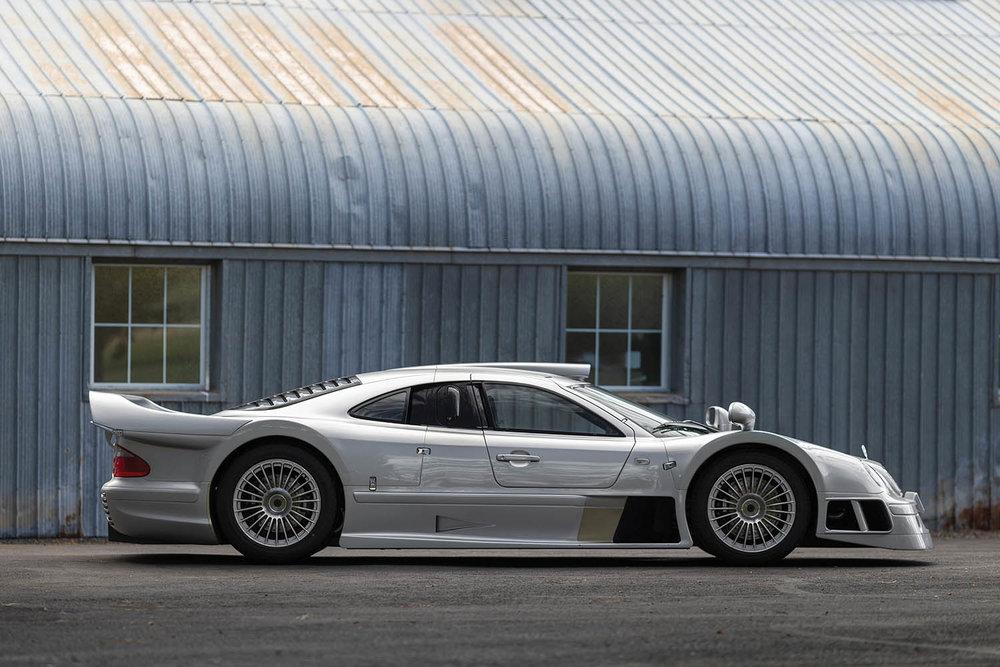 1998-Mercedes-Benz-AMG-CLK-GTR_4.jpg