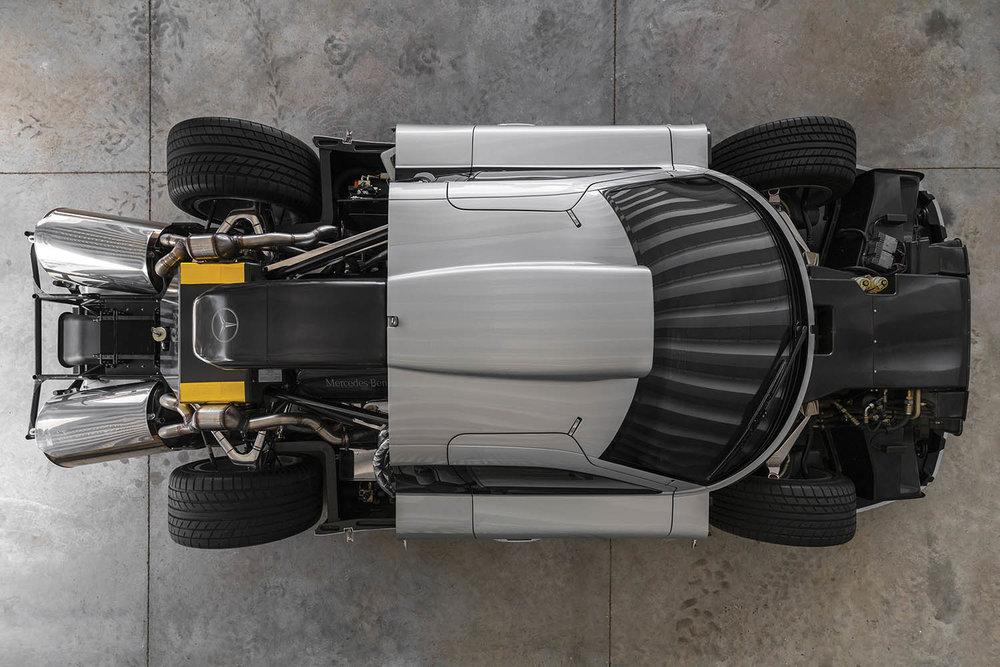 1998-Mercedes-Benz-AMG-CLK-GTR_16.jpg