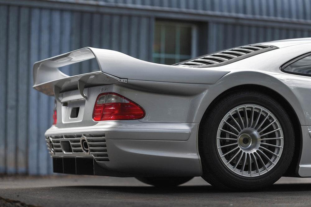 1998-Mercedes-Benz-AMG-CLK-GTR_19.jpg