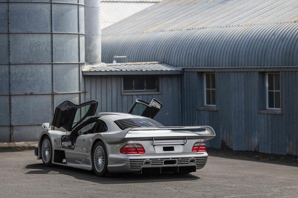 1998-Mercedes-Benz-AMG-CLK-GTR_29.jpg