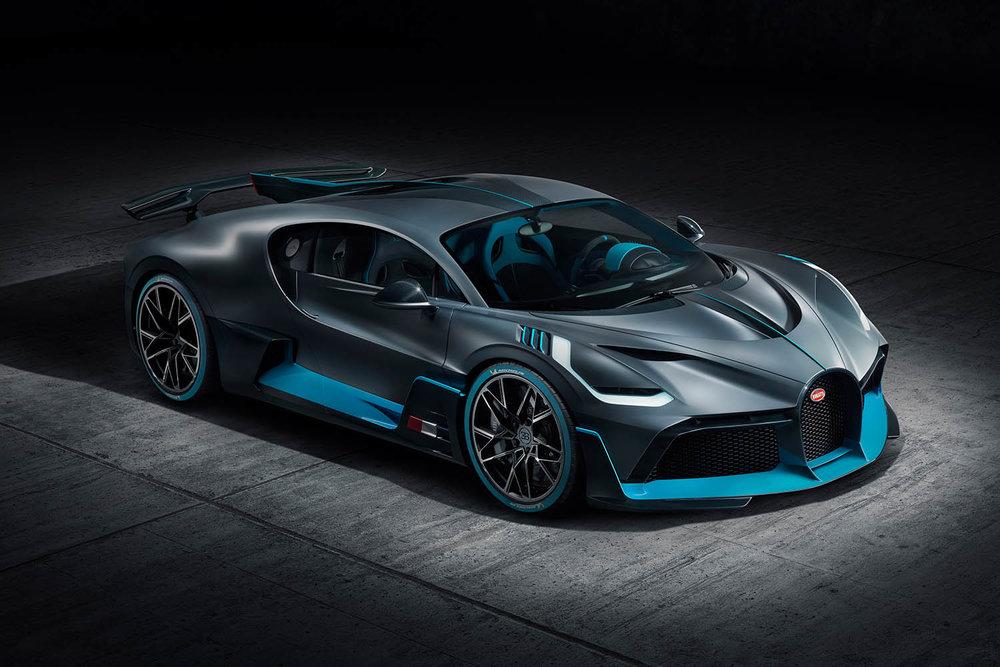 01_Bugatti-Divo_F34-elev.jpg
