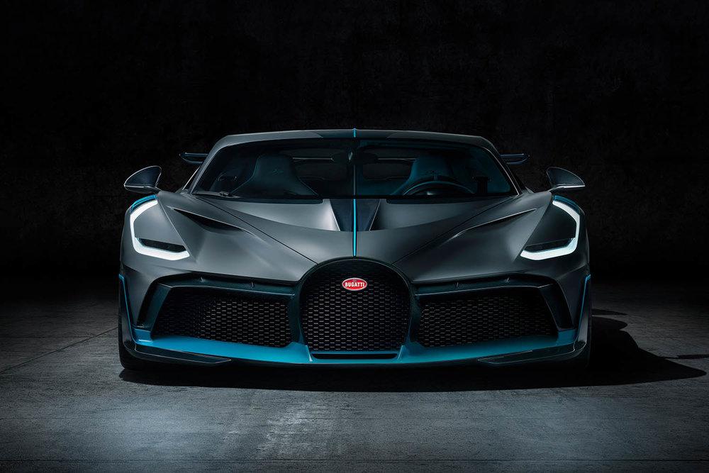 03_Bugatti-Divo_Front.jpg
