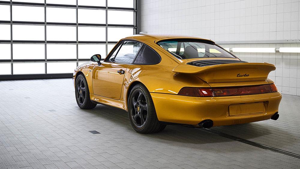 2018-Porsche-911-Turbo--Classic-Series-Project-Gold-_1.jpg
