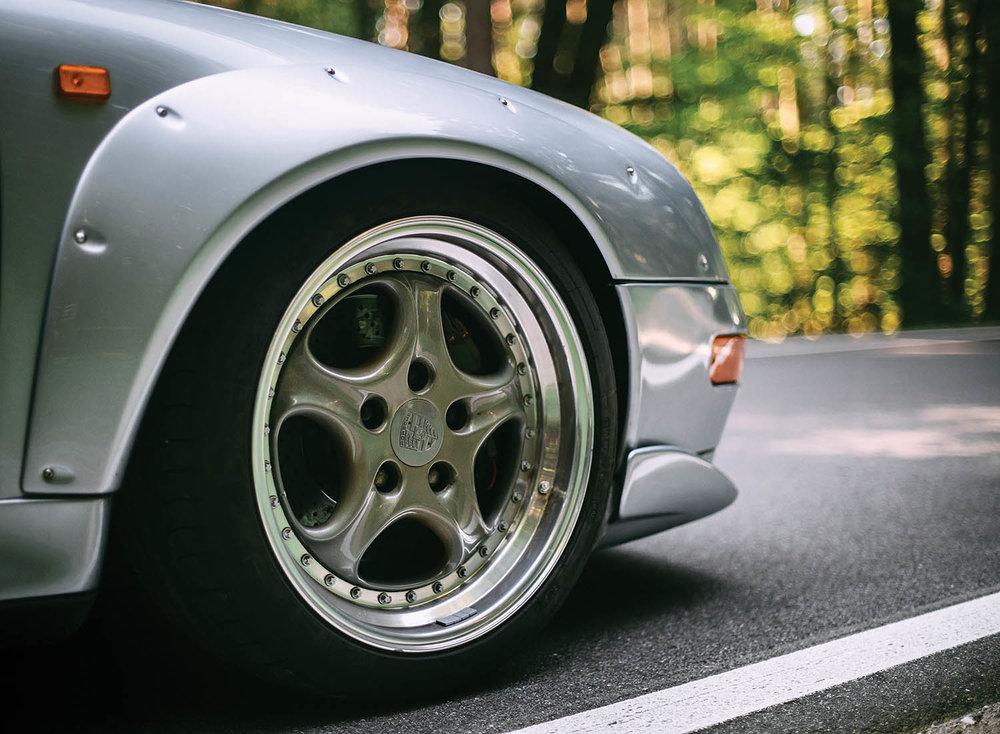 1996-Porsche-911-GT2_15.jpg