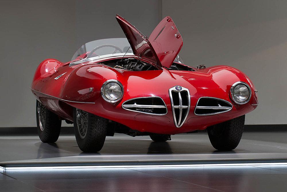 180910_Alfa-Romeo_Cofani-Aperti_01.jpg
