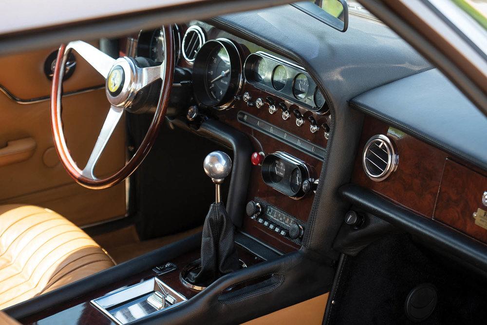 1965-Ferrari-330-GT-2-2-Shooting-Brake-by-Vignale_15.jpg