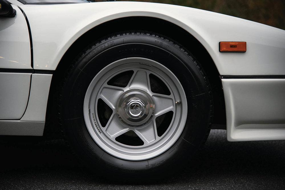 1983-Ferrari-512-BBi_10.jpg