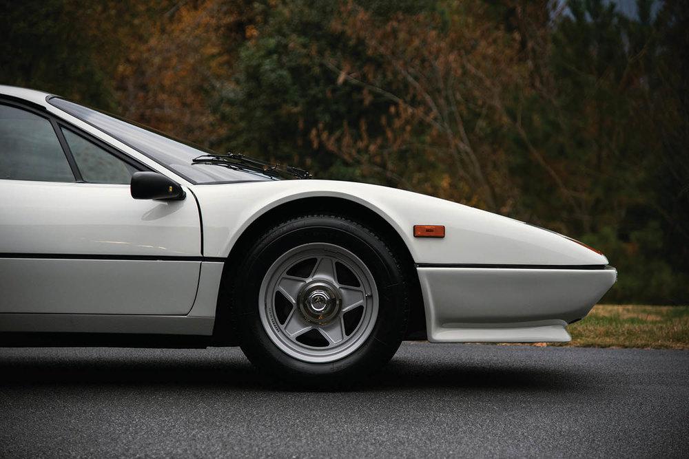 1983-Ferrari-512-BBi_11.jpg