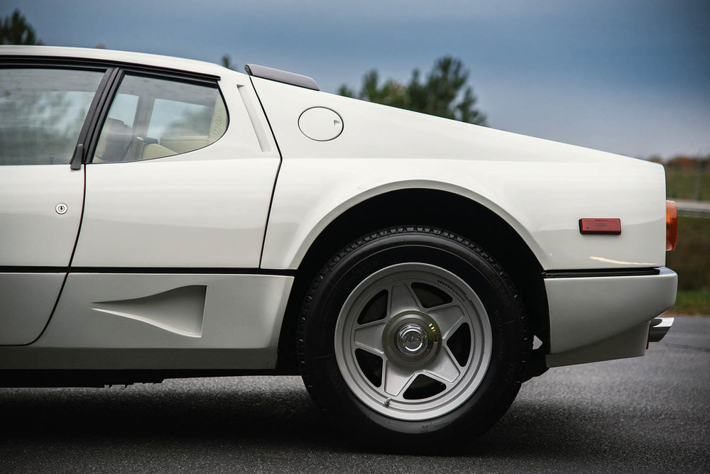 1983-Ferrari-512-BBi_26.jpg