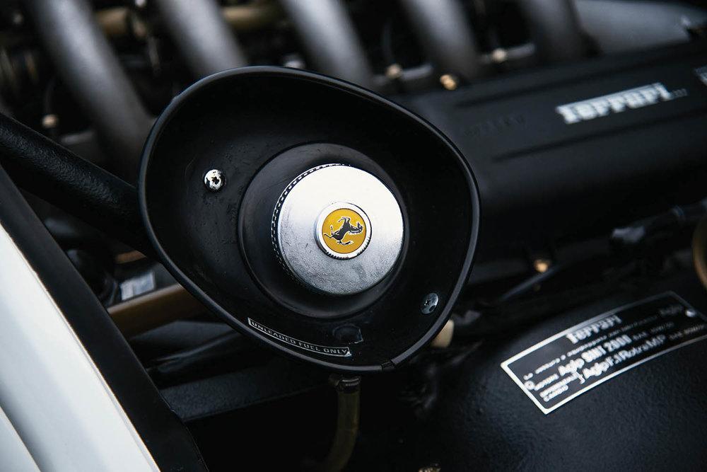 1983-Ferrari-512-BBi_50.jpg