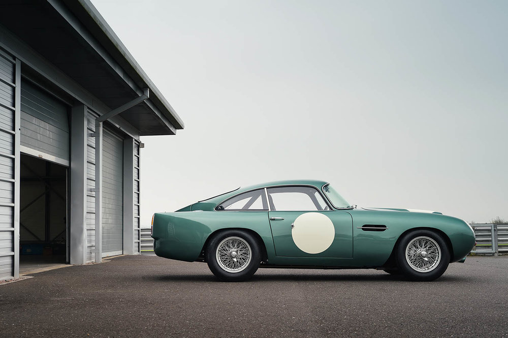 Aston_Martin_DB4_GT_Continuation_10_36388.jpg