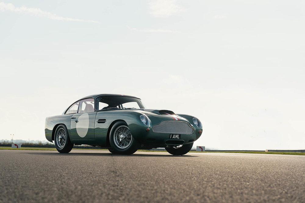 Aston_Martin_DB4_GT_Continuation_11_36389.jpg