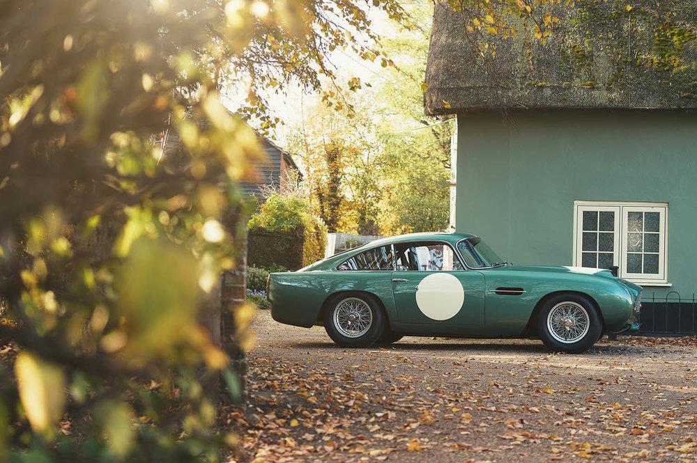 Aston_Martin_DB4_GT_Continuation_12_36390.jpg