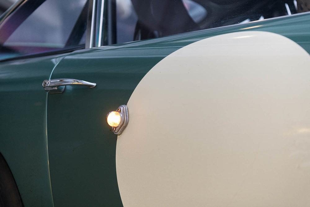 Aston_Martin_DB4_GT_Continuation_15_36393.jpg