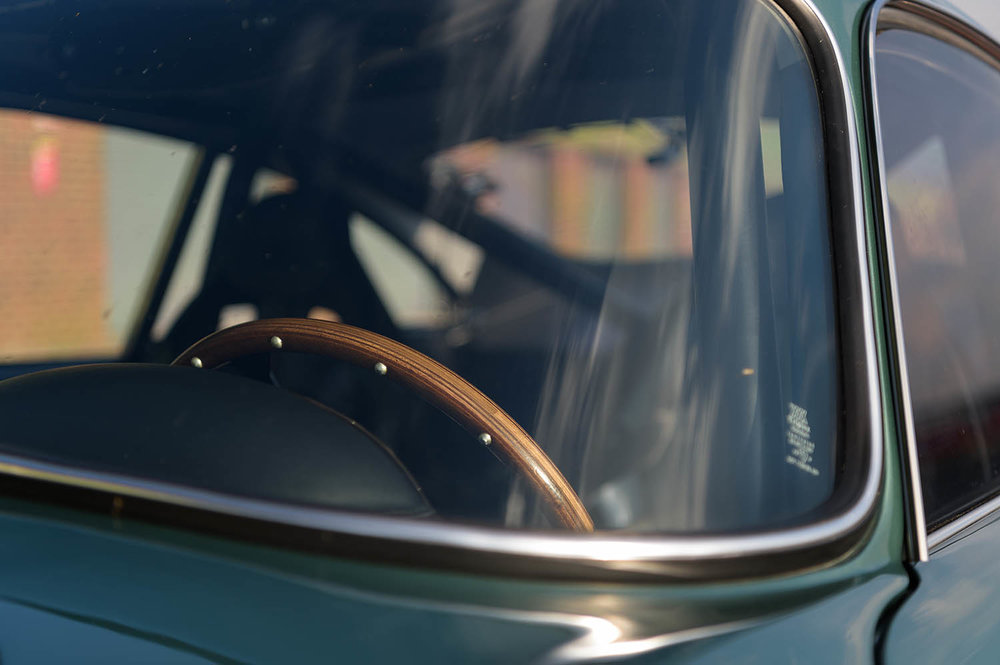 Aston_Martin_DB4_GT_Continuation_34_36412.jpg