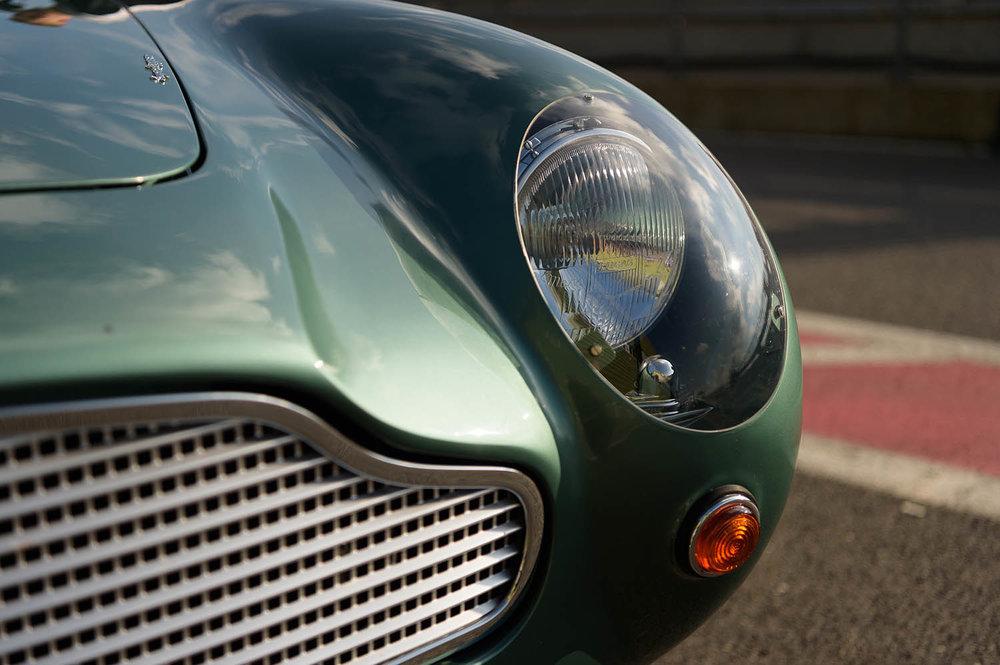 Aston_Martin_DB4_GT_Continuation_35_36413.jpg