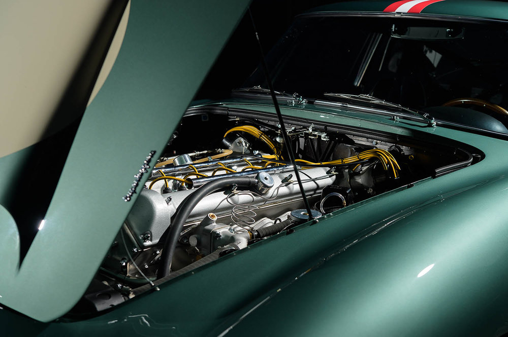 Aston_Martin_DB4_GT_Continuation_43_36421.jpg