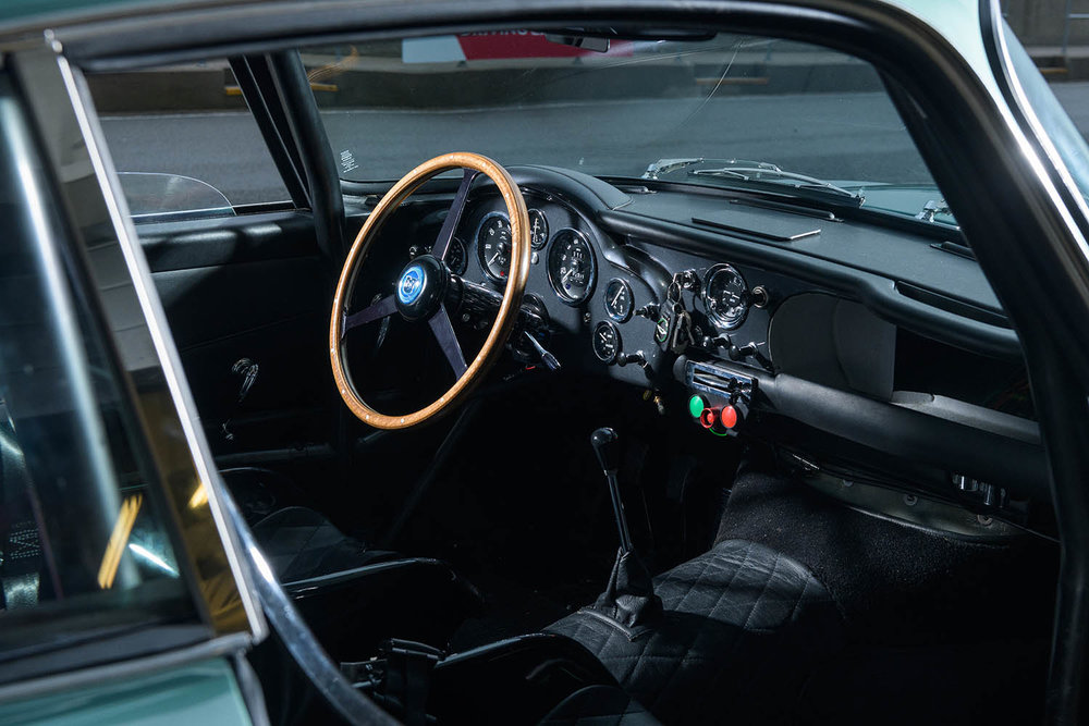 Aston_Martin_DB4_GT_Continuation_45_36423.jpg