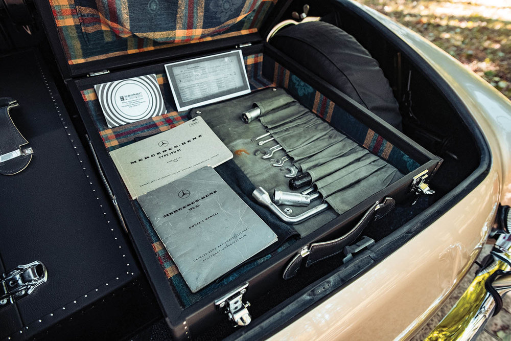1961-Mercedes-Benz-190-SL_19.jpg