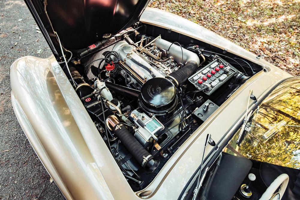 1961-Mercedes-Benz-190-SL_2.jpg