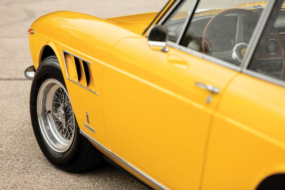 1968-Ferrari-330-GTC-by-Pininfarina_14.jpg