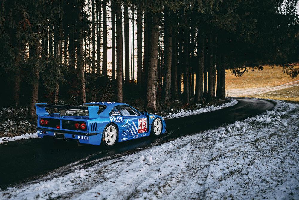 1987-Ferrari-F40-LM_2.jpg