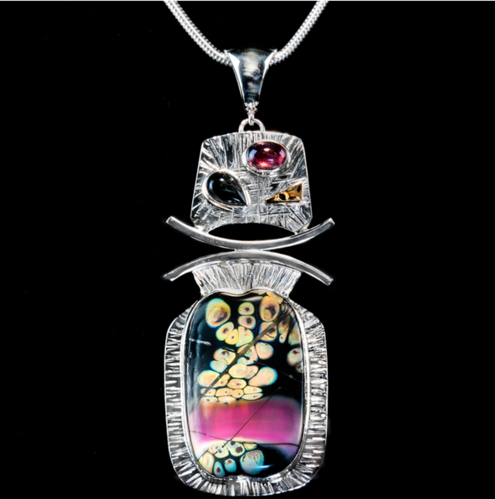 Anne Vogt - http://www.AnneVogtJewelry.comI hand build each setting for my silver jewelry. I use a construction process with sterling sheet, wire, and tubing. Gemstones of the highest quality are incorporated.
