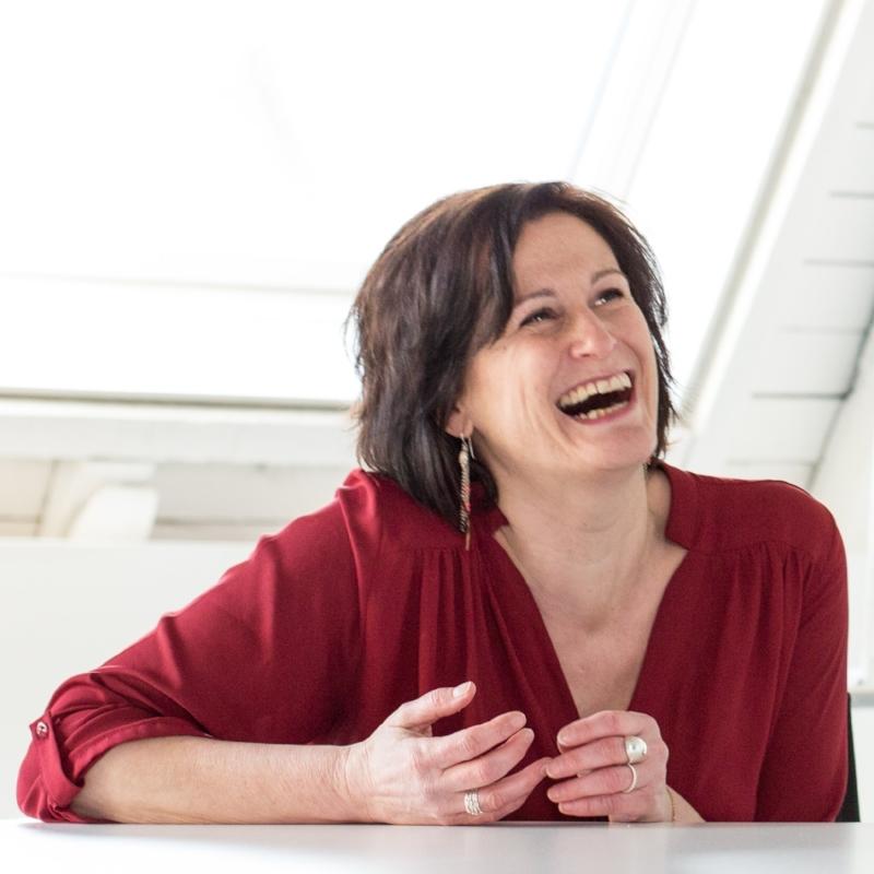 Ingrid Crollet   Humor - Challenge - Connection