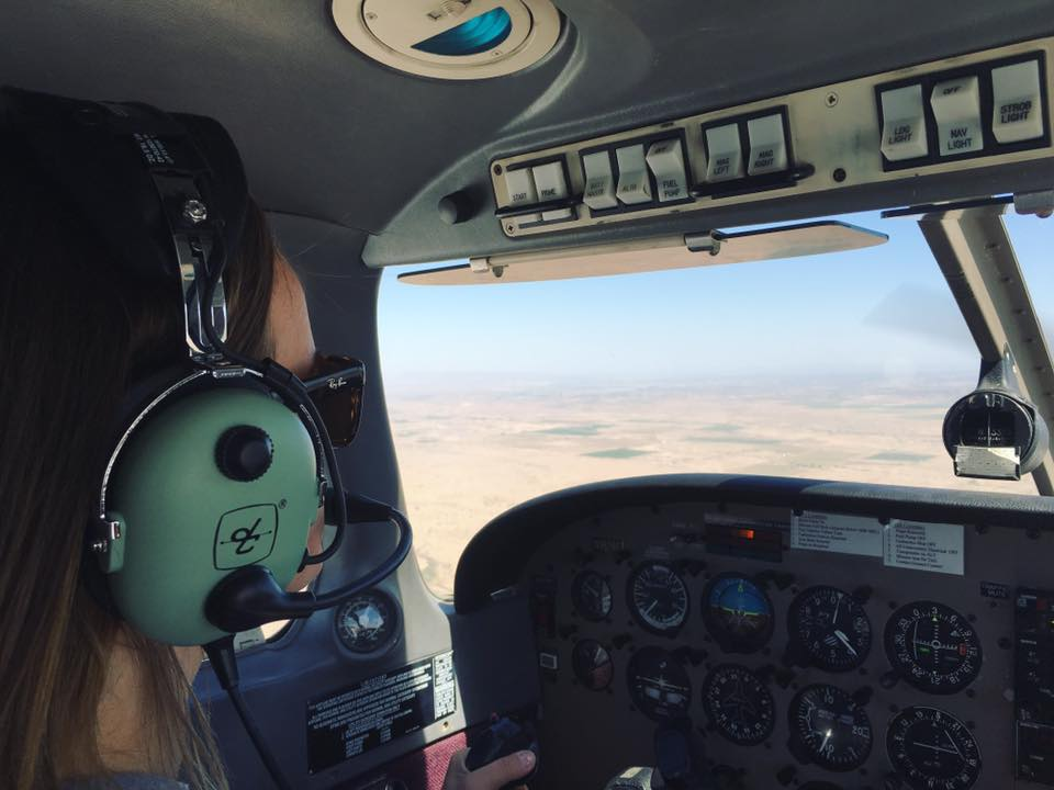 FEMALE STUDENT PILOT