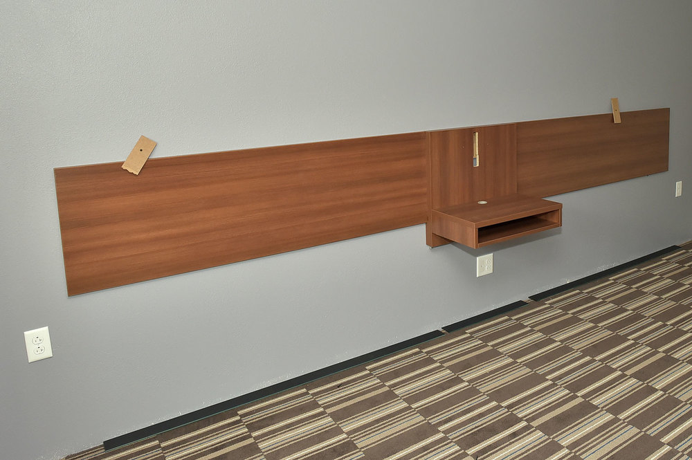 DOUBLE ROOM HEADBOARD INSTALLATION