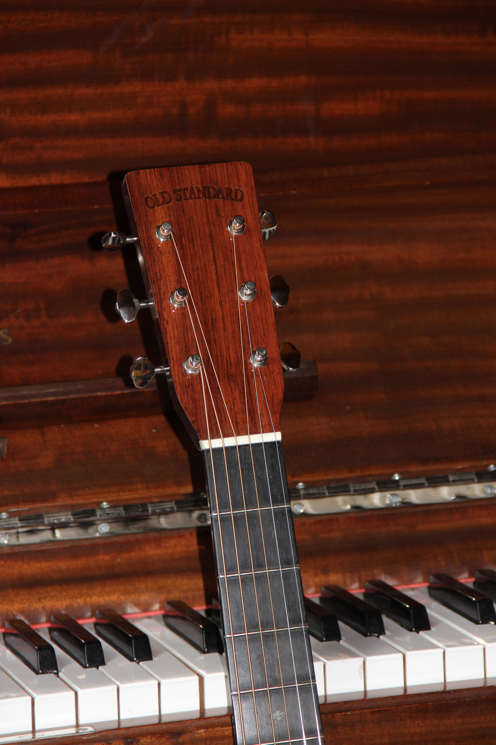 Eastman Headstock