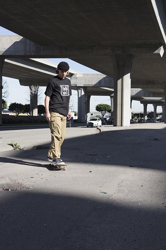 ghetto-wear-blind-jeans-comeback-05-533x800.jpg