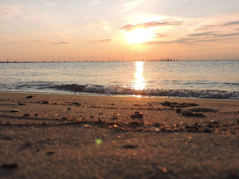 bay-beach-clouds-556758.jpg