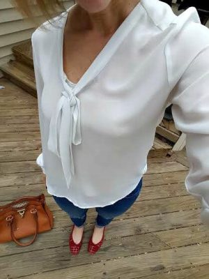 Victoria's easy mom outfit- tab sleeved shirt or button down with denim and flats (2).jpg