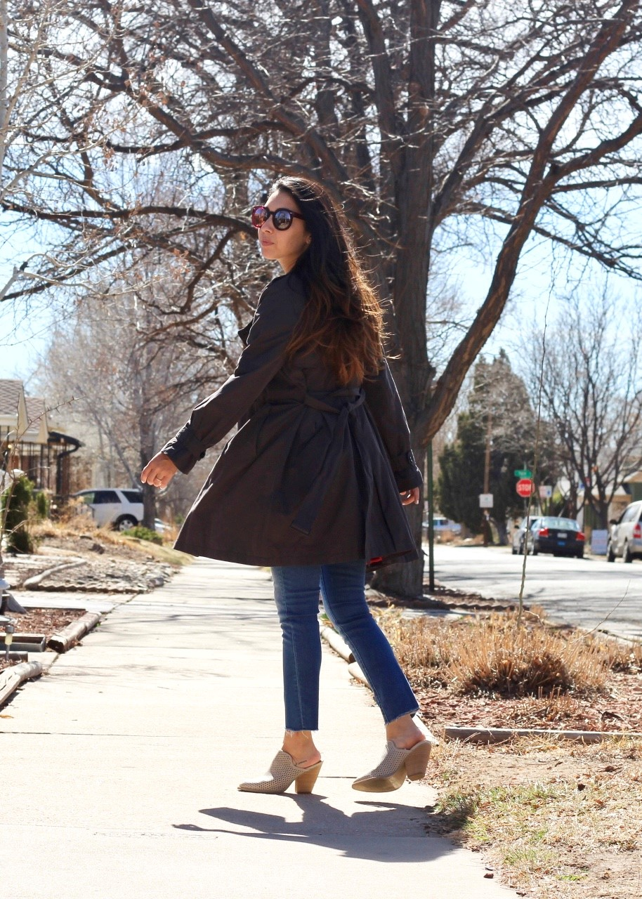 source :  mom tips for styling a trench coat