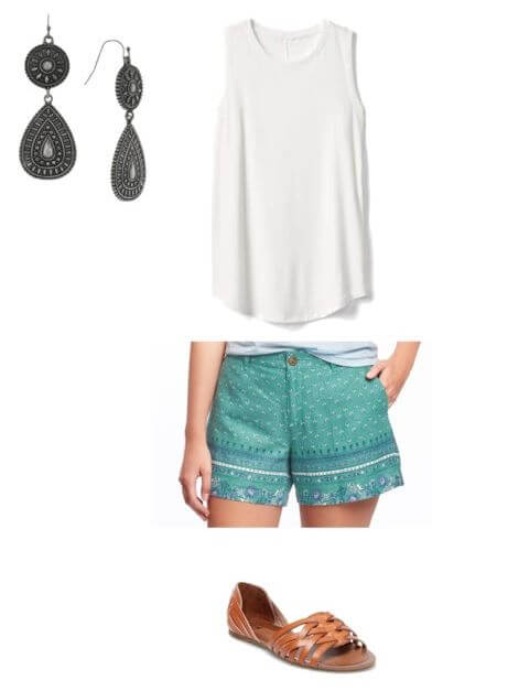 easy summer outfit for moms, pattern shorts + tank + drop earrings + huarache sandals
