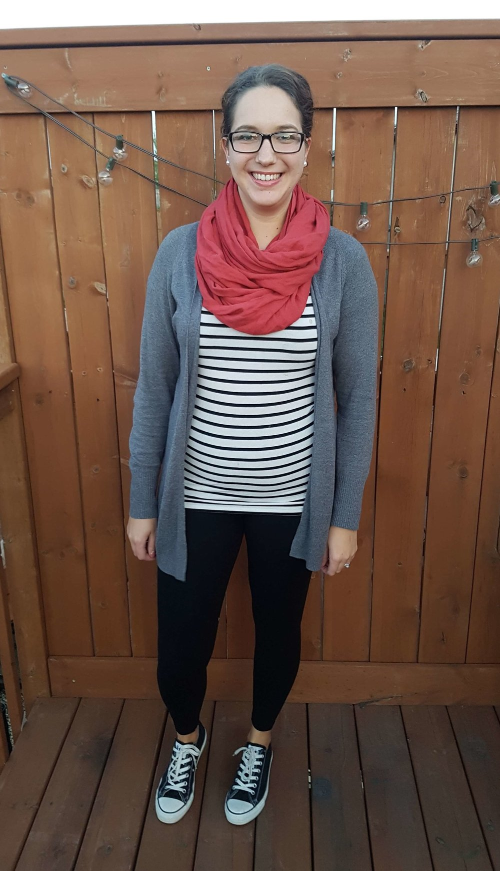 13f49c3a88 How to Wear Leggings Without Looking Frumpy (15+ Outfit Ideas ...